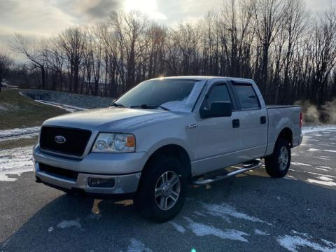 Pre-Owned 2005 Ford F-150 SuperCrew 139 XLT 4WD